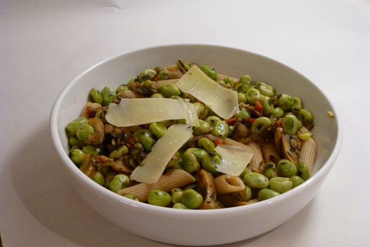 Fasta Pasta with Broad Beans