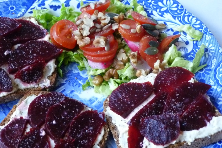 Hummus and Beetroot on Toasted Rye